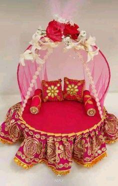 Ganpati Decoration Design, Thali Decoration Ideas, Diy Diwali Decorations, Handmade Decorations, Flower Decorations, Indian Wedding Gifts, Desi Wedding Decor, Wedding Crafts, Diy Arts And Crafts