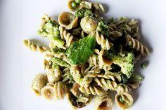 Creamy Pesto & Green Veggie Pasta
