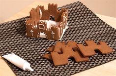 gingerbread castle template - Sök på Google Gingerbread Castle, Gingerbread House Template, Gingerbread Cookies, Templates, Google, Desserts, Food, Gingerbread Cupcakes, Tailgate Desserts