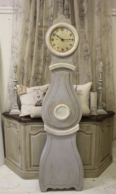 Maison Decor has floor sized Mora Clocks! Grey Furniture, Painted Furniture, Furniture Design, Furniture Ideas, Blue China Cabinet, China Cabinets, Grandmother Clock, Colorful Dresser, Clock Painting