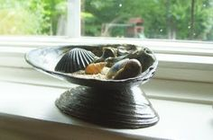 Hope Studios: Tutorial Tuesday - Sea Shell Dish  What a clever idea for a soap holder in the bathroom!