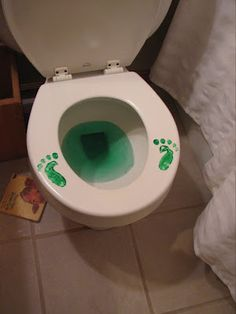 I have a friend who does this at her house.  Too funny.  I'd have never thought of it.  Leprechaun Mischief and  . . . a little Freebie! St Patrick's Day Decorations, Holiday Fun, Holiday Crafts, St Patricks Day Food, Leprechaun, Decorating Your Home, Holiday Decorating, Potty Training, Toilet