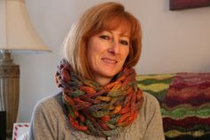 A cowl knit in 115 minutes - Armknitting