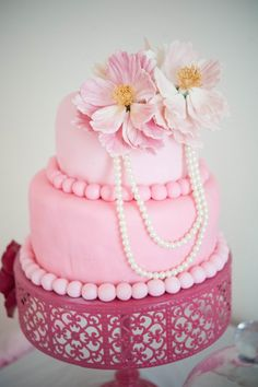 Una preciosa y elegante tarta para una fiesta rosa / A gorgeous and elegant cake for a pink party