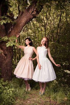 50s Fashion Vintage Inspired Fashion, Fall Winter 2015, Tulle, Flower Girl Dresses, Lily, Wedding Dresses, Skirts, Inspiration, Vestidos
