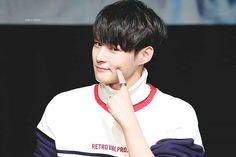 """My reaction when Byungchan dance to boombayah be like """"GO BYUNGCHAN GO!!!WRECK IT"""" --- ; [161124] ➺ GANGNAM FANSIGN EVENT ✕ © NOW OR NEVER --- Comment """""""" if you want to be tagged  --- ⇠ #임세준 #limsejun #세준 #sejun #VICTON #빅톤 #sweetsejun ⇢"""
