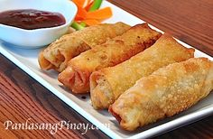 Egg Roll Recipe - An Egg roll is composed of meat and shredded vegetables wrapped in a wheat-based wrapper and deep fried until crispy. This deliciously appetizer is a close relative of the spring roll. Egg Roll Recipes, Soup Recipes, Cooking Recipes, Beef Recipes, Recipies, Healthy Recipes, Lumpia Recipe, Pork And Beef Recipe, Cooking Chinese Food