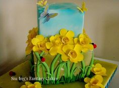Spring Daffodil Cake.  My favorite flower.  I would love to have this cake.