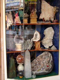 #magiaswiat #puthaparthi #podróż #zwiedzanie #indie #blog #indie #rzekaczitrawati #salamedytacyjna #szpital #posagibogów #wioska Indie, Blog, Painting, Art, Art Background, Painting Art, Kunst, Blogging, Paintings