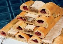 Macskaszem | Fotó: finomreceptek.com - PROAKTIVdirekt Életmód magazin és hírek - proaktivdirekt.com Hot Dog Buns, Nutella, Bread, Cheese, Ethnic Recipes, Food, Brot, Essen, Baking