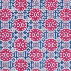 【TAKAHASHI HIROKO Beads ピンク S(中川政七商店)】/正倉院宝物をテーマに、アーティスト高橋理子が生み出したテキスタイルです。宝珠の艶やかさが表現された意匠は、和にとどまらないオリエンタリズムを感じさせます。 #japanesetextiles #textile #patterns