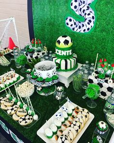 Close up Soccer Theme Party Soccer Birthday Parties, 2nd Birthday Party Themes, Football Birthday, Soccer Party, Soccer Birthday Cakes, Soccer Cake, Ben 10 Party, Party Decoration, Medan