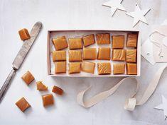 Kermatoffee | Valio 20 Min, Toffee, Delicious Desserts, Berries, Food And Drink, Sugar, Treats, Cookies, Chocolate