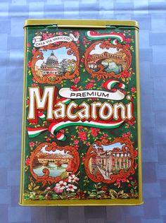 Recipiente de macarrones Casa Via Variccio hecho en Inglaterra. Vintage macaroni tin Casa Via Variccio made in England.