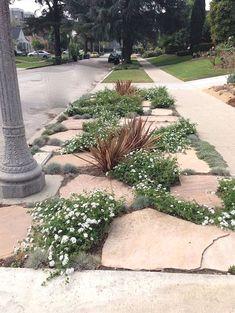 Front Yard Rock Garden Landscaping Ideas (17) #LandscapingIdeas