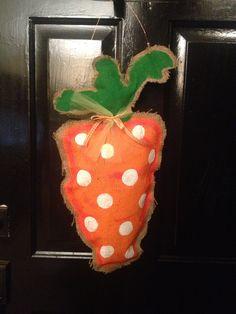 Stuffed burlap carrot door hanger. EASTER.