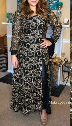 16 Super ideas for dress hijab party black Indian Party Wear Gowns, Party Wear Evening Gowns, Dress Party, Shadi Dresses, Indian Gowns Dresses, Pakistani Dresses, Pakistani Suits, Long Gown Design, Latest Gown Design