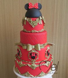bolo fake minnie Realeza #bolofakeminnie #bolominnie #festaminnie #minnie Bolo Fake Minnie, Cake, Desserts, Food, Pink Bows, Candy Table, Cake Ideas, Red Roses, Cake Toppers
