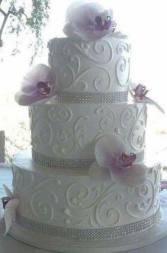 Divino pastel blanco con lila