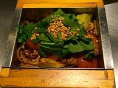 Japanese Noodles Japanese Noodles, Seaweed Salad, Chicken, Meat, Ethnic Recipes, Food, Essen, Meals, Yemek