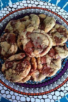 Kekse wie U-Bahn – petits gateaux - Kuchen Chip Cookie Recipe, Best Cookie Recipes, Sweet Recipes, Chocolate Chip Cookies, Cookie Desserts, Dessert Recipes, Cookie Salad, Food Porn, Cookies Et Biscuits
