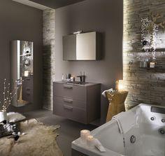 VF Confort - Ambiances meubles salle de bains Delpha à découvrir dans nos catalogues onlines et dans l'une des salles expo salle de bains VF Confort.