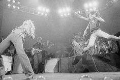 Led Zeppelin live.