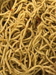 Das perfekte Spaghettisalat mit Spaghetti und Knorr Salatkrönung Knoblauch-Rezept mit Bild und einfacher Schritt-für-Schritt-Anleitung: Spaghettis aldente…