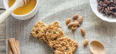 Making your own granola bars gives you the creativity to add whatever ingredients you want. We rounded up 11 granola bar recipes with honey for you to try. Healthy Appetizers, Healthy Snacks, Healthy Eating, Healthy Recipes, Healthy Protein Bars, Healthy Granola Bars, Honey Recipes, Snack Recipes, Bar Recipes
