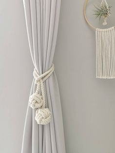Macrame Wall Hanging Patterns, Macrame Art, Macrame Projects, Macrame Patterns, Macrame Curtain, Curtain Tie Backs, Modern Window Treatments, Curtain Holder, Modern Windows