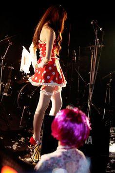 Hamasaki Yoko / Macaron Gall / Urbangarde