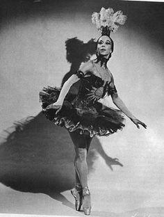 Janet Collins, the Metropolitan Opera's first African American prima ballerina, #Ballet_beautie #sur_les_pointes  *Ballet_beautie, sur les pointes !*