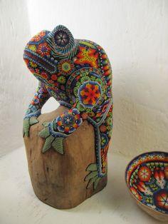 rana con mosaicos