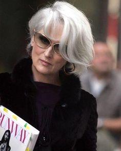 Merryl Streep, Afro, Miranda Priestly, Devil Wears Prada, Mom Hairstyles, Going Gray, Jennifer Aniston, Hair Looks, New Look