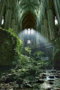 Green grass & nature has taken over this once beautiful abandoned church! Abandoned Castles, Abandoned Mansions, Abandoned Places, Haunted Places, Region Normandie, Normandie France, Green Man, What Is Urban, Nature Photography