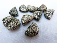 10 Silver Semicircle Prakeuam Beads, Sinarin Silver, Ethnic Silver Beads, Silver Beads from Thailand - $10.50
