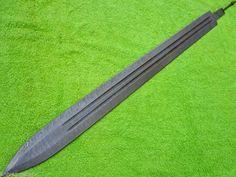 lame d'épée avec double goutiére, en acier damas/Sword blade with double goutier, damask steel