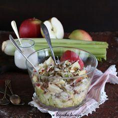 Surówka z selera naciowego, jabłka i prażonego słonecznika Simply Recipes, Healthy Recipes, Healthy Food, Salads, Pudding, Desserts, Cos, Drinks, Party