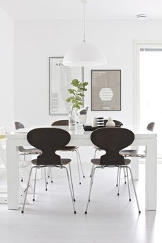 Lisbet e. | Dining room | Arne Jacobsen Ant Chair | My Guide to New York