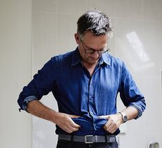DR MOSLEY'S new Fast 800 plan is even easier and quicker that diet Dr Michael Mosley, pictured, put on over a stone to test out his health regime, a new hopefully improved version of the 800 Calorie Diet Plan, 5 2 Diet Plan, Michael Mosley, Blood Sugar Diet, Types Of Diets, Grapefruit Diet, Diet Menu, Dr Pepper, No Carb Diets