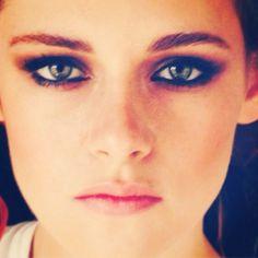 Pin for Later: The Best Behind-the-Scenes Beauty Snaps From the Met Gala Kristen Stewart Makeup artist Jillian Dempsey shared a sneak peek of Kristen Stewart's edgy eye makeup.  Source: Instagram user jilliandempsey
