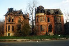 The Mansard Twins, Brush Park, Detroit Wow what beauties. such a shame they are in rough shape. Abandoned Buildings, Abandoned Mansions, Old Buildings, Abandoned Places, Abandoned Castles, Detroit Ruins, Abandoned Detroit, Abandoned Property, Detroit Houses