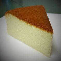 Light Japanese Cotton Cheesecake Ingredients: 250g cream cheese 80ml corn oil or canola oil 120ml milk 60g corn flour (sifted) 50g castor sugar 6 eggs (separate yolks and whites) 40ml lemon juice 1…