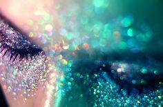 Glitter (makeup)
