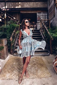 I don't think I've ever loved a sundress more! Fashion 101, Blue Fashion, Womens Fashion, Fashion Bloggers, Sundresses Women, Autumn Fashion Women Fall Outfits, Viva Luxury, Casual Chic Style, Boho Chic