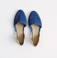 Color blocked, cobalt blue and natural raffia d'Orsay slip on