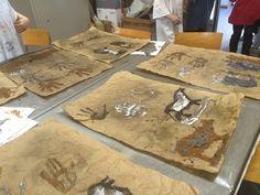 Pittura rupestre...classe 3a - MaestraMarta Iron Age, Arts And Crafts Projects, Butcher Block Cutting Board, Video, 3, Stone, Geography, Preschool, Rock