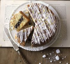 I think Great Britain and I are going to get along swimmingly this summer if these are the types of cakes they offer - Eccles cake