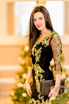 Feliz Navidad Crimenes de la Moda - Merry Christmas - Voguec baroque dress- bolso Loewe Handbag - Zapatos de tacón By Mare Shoes - vestido de noche negro y dorado - black & gold party dress