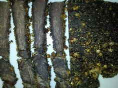 Biltong - one of South Africa& most famous National snack foods. In this article, I demonstrate how to make biltong at home using a food dehydrator. Kitchen Recipes, Paleo Recipes, Snack Recipes, Cooking Recipes, Snacks, Excalibur Dehydrator, Rump Steak, Biltong, South African Recipes